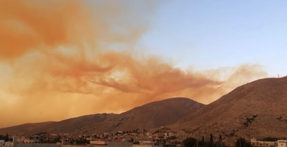 The smoke of the Beirut explosion spread over the sky of Lebanon. Credit: Wikimedia